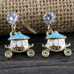 Jewelry - DIVA LUXURY CARRIAGE EARRINGS NEW
